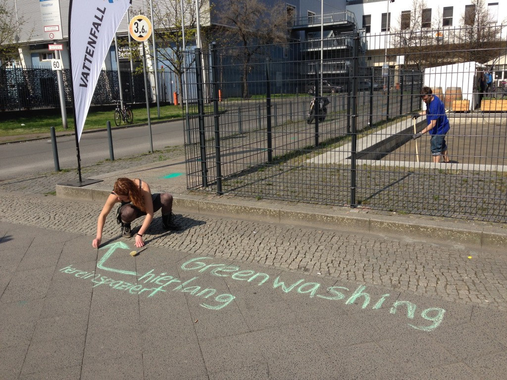 Anti_Vattenfall Aktion_Bürgersteig